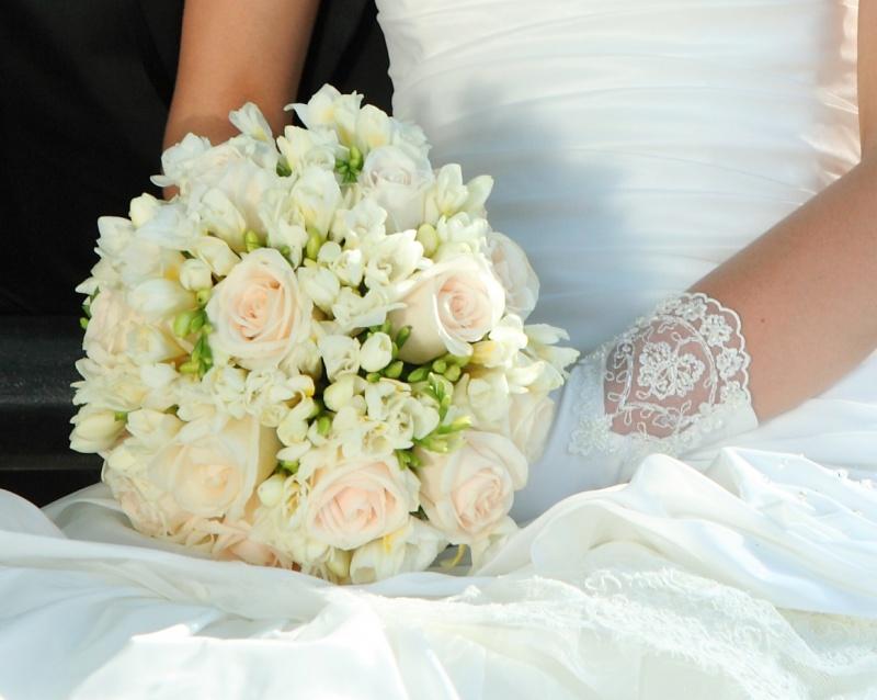 Букет белых, выбор свадебный букет для невесты купить спб