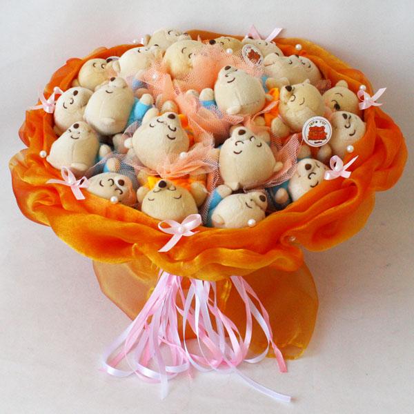 Букет Букет из игрушек - мишки с доставкой в Новосибирске. Служба доставки цветов и подарков - FLO365