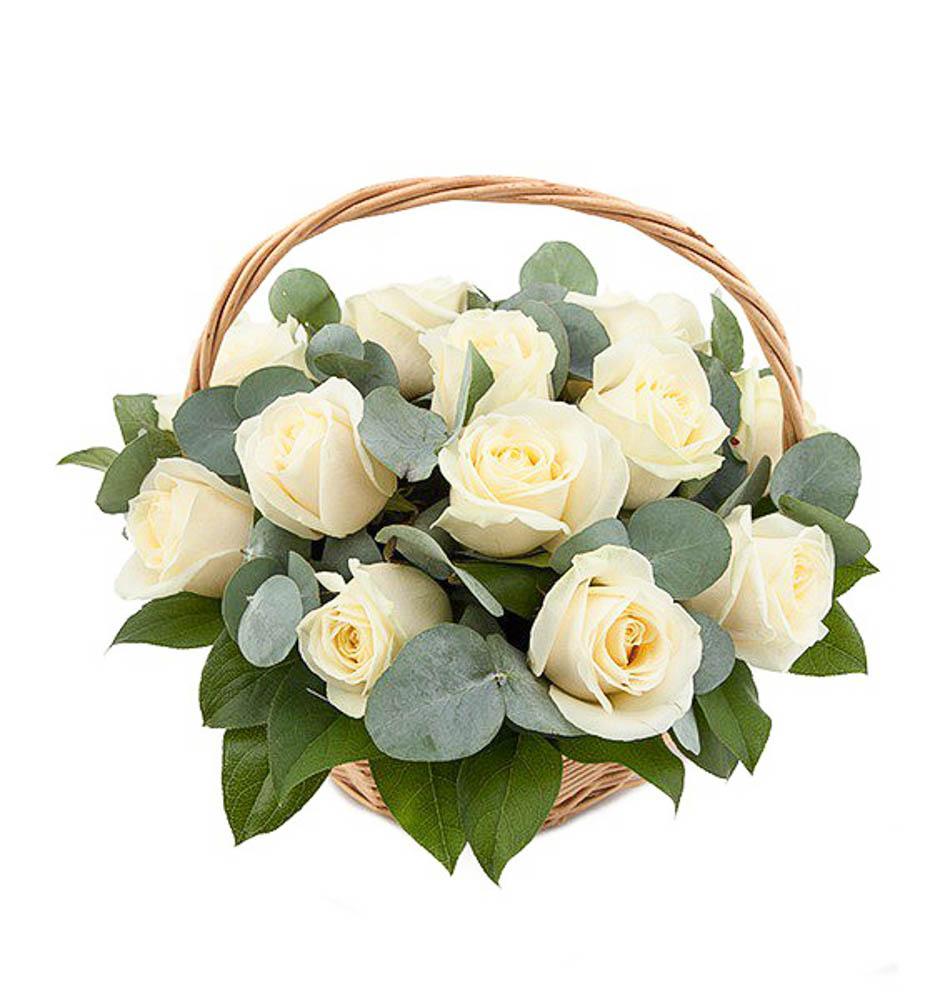 Открытка корзина с белыми розами, поздравления годиком девочке